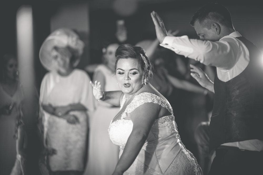Antoinette & Stephen - First Dance | Brian McEwan Photography | Wedding Photographer Northern Ireland 34.jpg