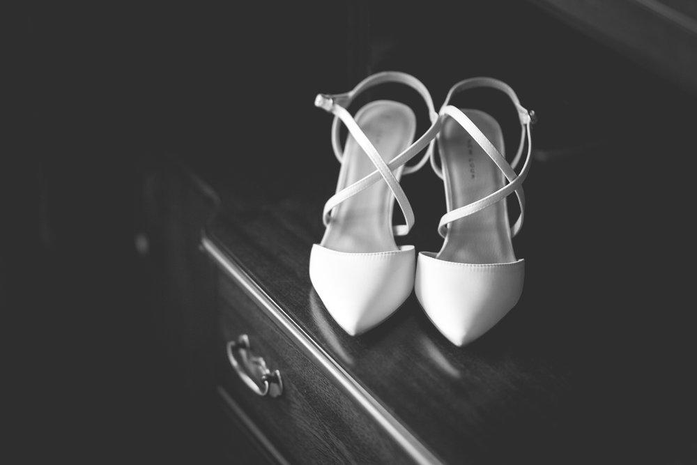 Francis&Oonagh-Bridal Prep-22.jpg