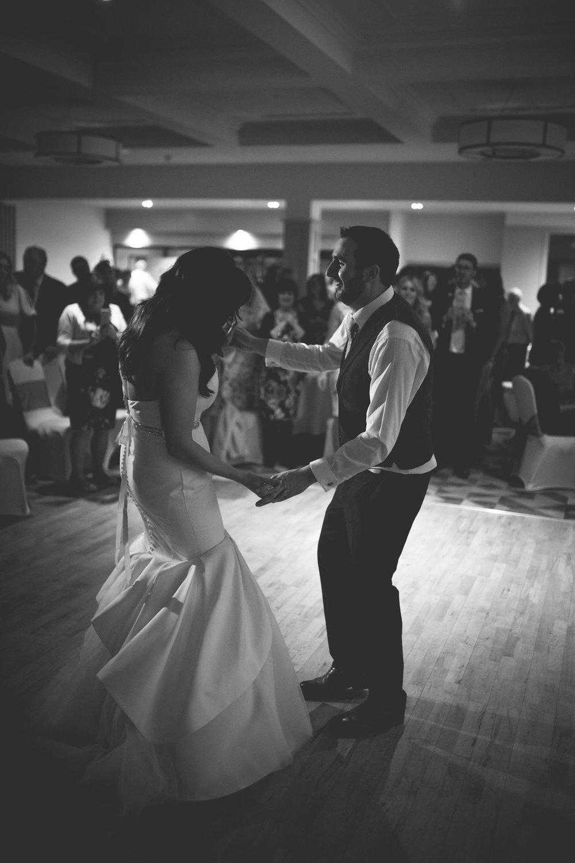 Francis&Oonagh-Dancing-12.jpg