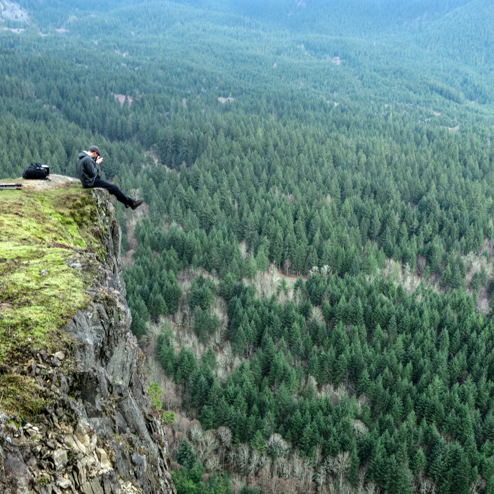 Cliff edge @ Wind Mt. | Columbia River Gorge, WA