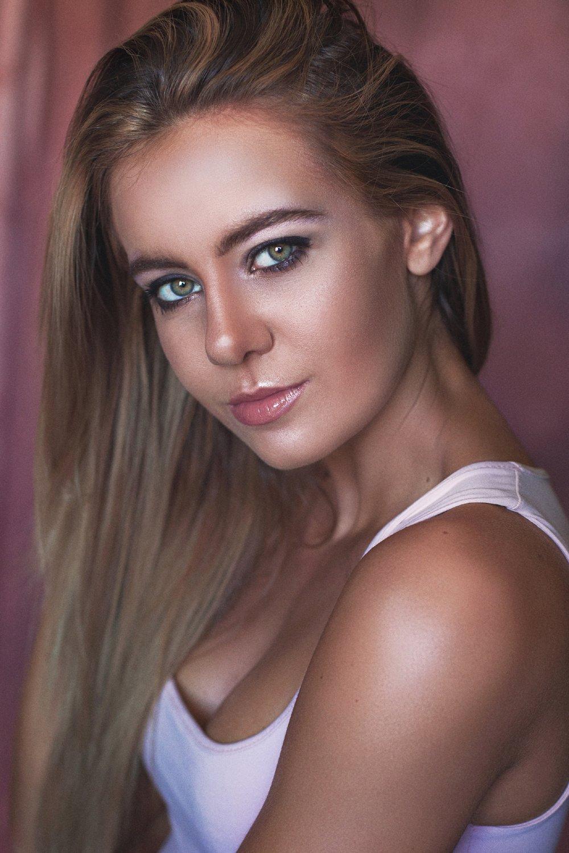 JasminaZuccarelli-Headshot-Portrait.jpg