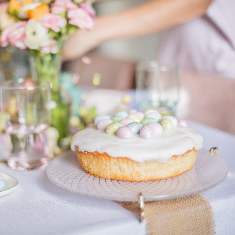 dicra-pink-cake-tray-Easter19-65-sq-com.jpg