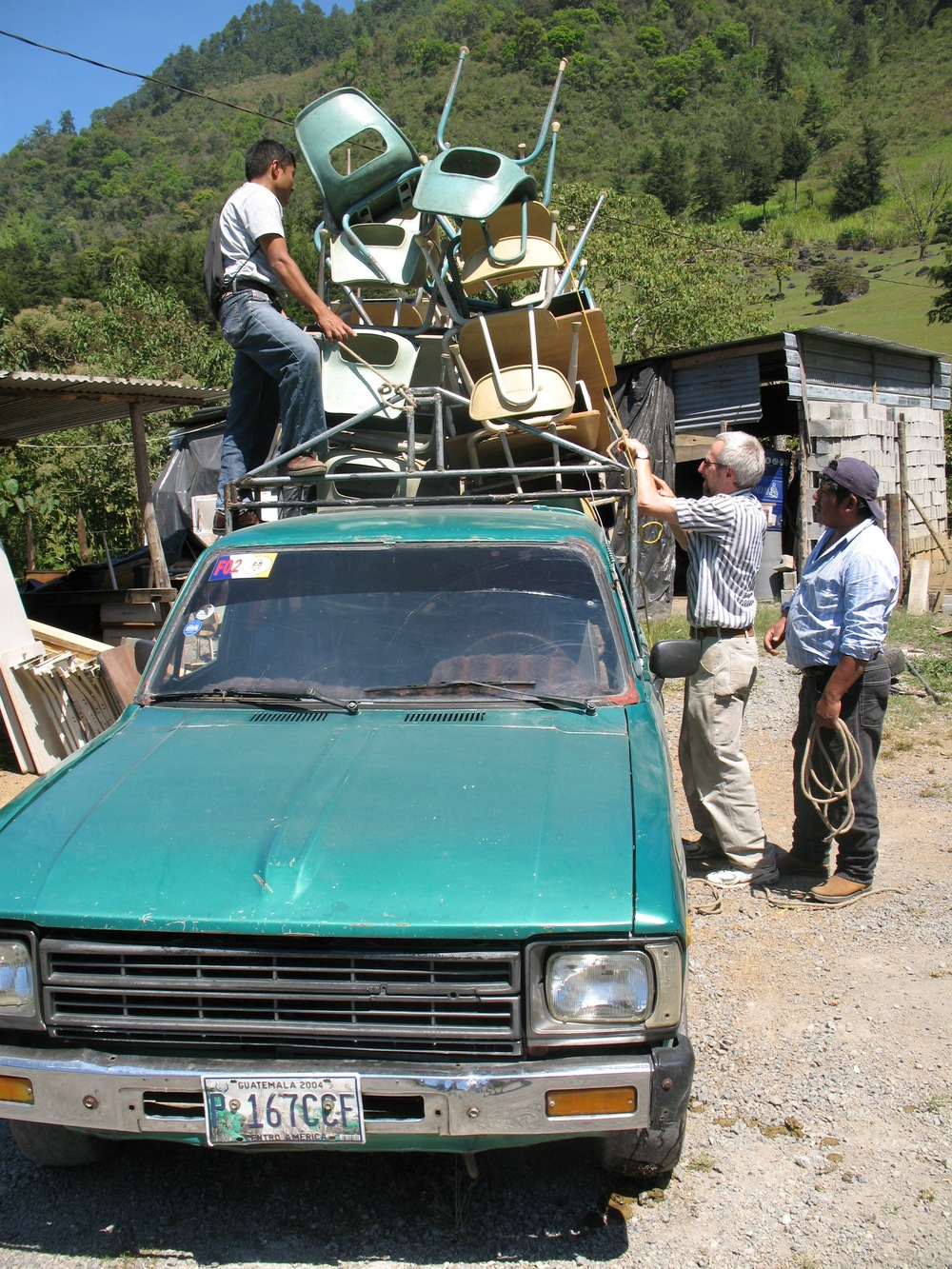 ... and loading Guatemalan style!