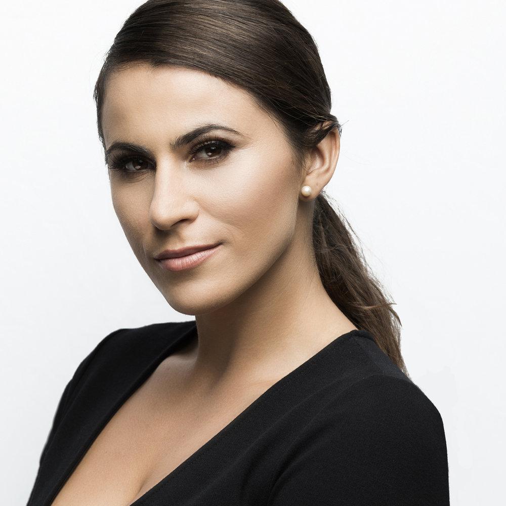 Lorena - Photographer/Videographer