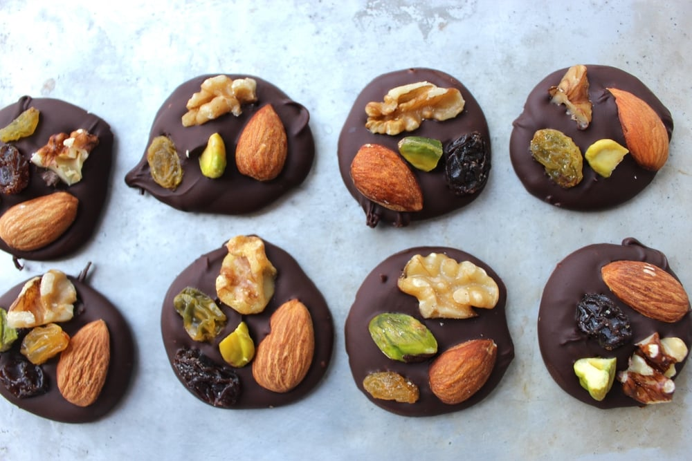 Dark Chocolate Trail Mix Bites: Easy Healthy Meals