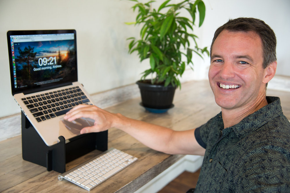 Andrew Crichton started STANDapart to provide affordable and ultraportable laptop stands to travelling professionals, digital nomads and road warriors.