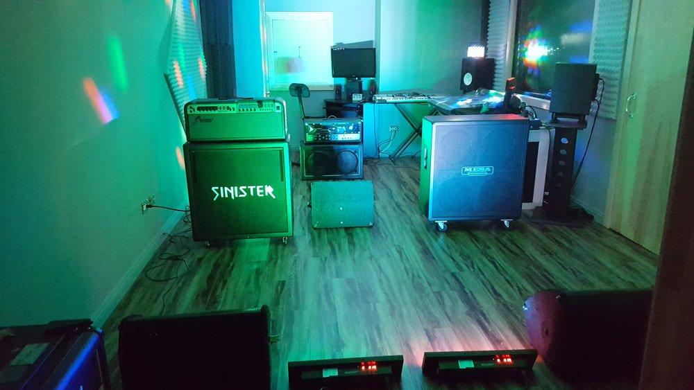Studio Club 1 (1).jpg
