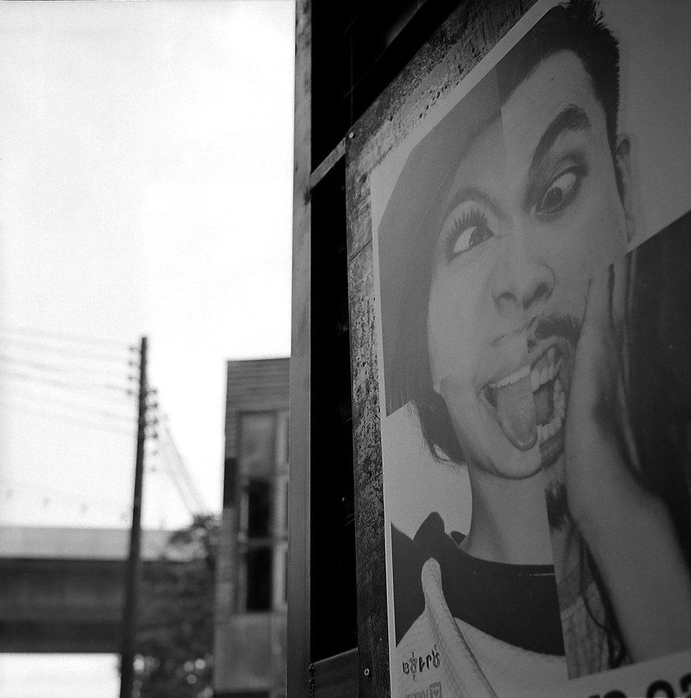 Chromacomaphoto Bangkok Street Photography Delta 400 Rolleiflex Thailand  planar xenotar 2 8 e 3 5 f  (9).JPG