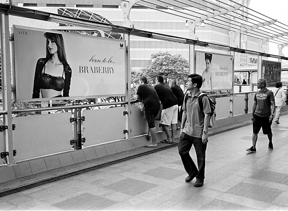 00555555555513Bangkok Street Photography Thailand Leica M2 M6 35mm Summaron 2.8 Pre Asph Summilux 35mm trix 400Chromacoma Photography.jpg
