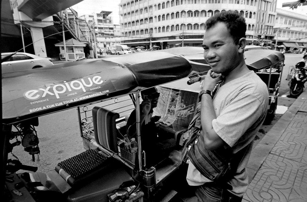 Chromacomaphoto Streetphotography Bangkok Thailand Leica 21mm super angulon sa 3 4 kodak tri x film (10).JPG