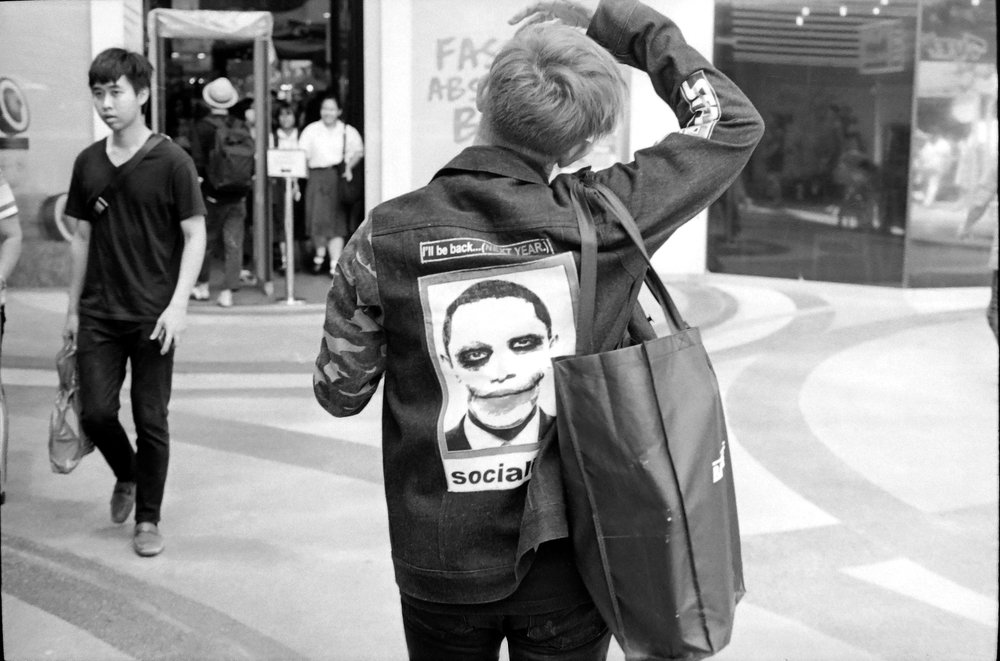 chromacomaphoto street photography bangkok thailand film tri x summicron rigid 50 leica m4 black and white (11).JPG