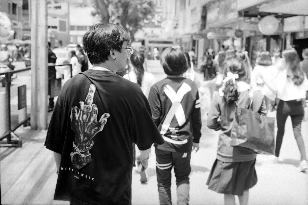 chromacomaphoto street photography bangkok thailand film tri x summicron rigid 50 leica m4 black and white (13).JPG