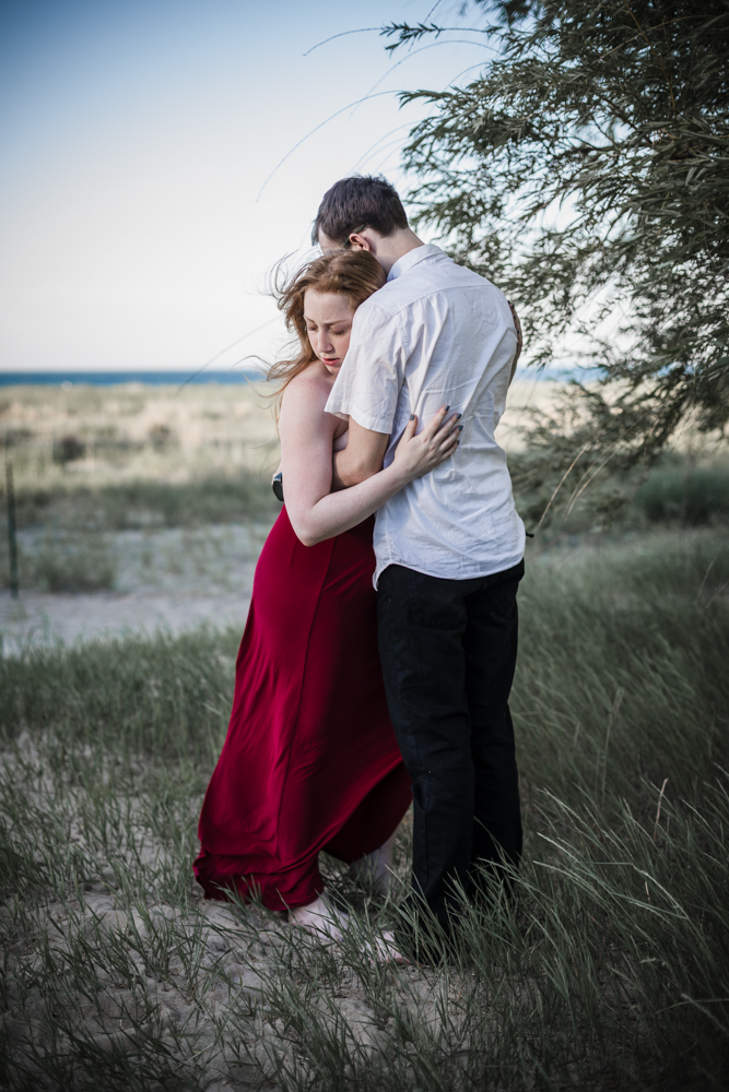 Intimate elopement photographer in Chicago travels to Lake Michigan