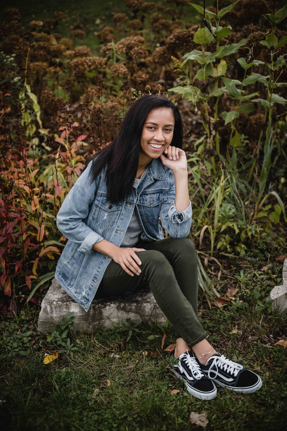 Chicago senior pictures at Lincoln Park Zoo with portrait photographer Katharine Hannah