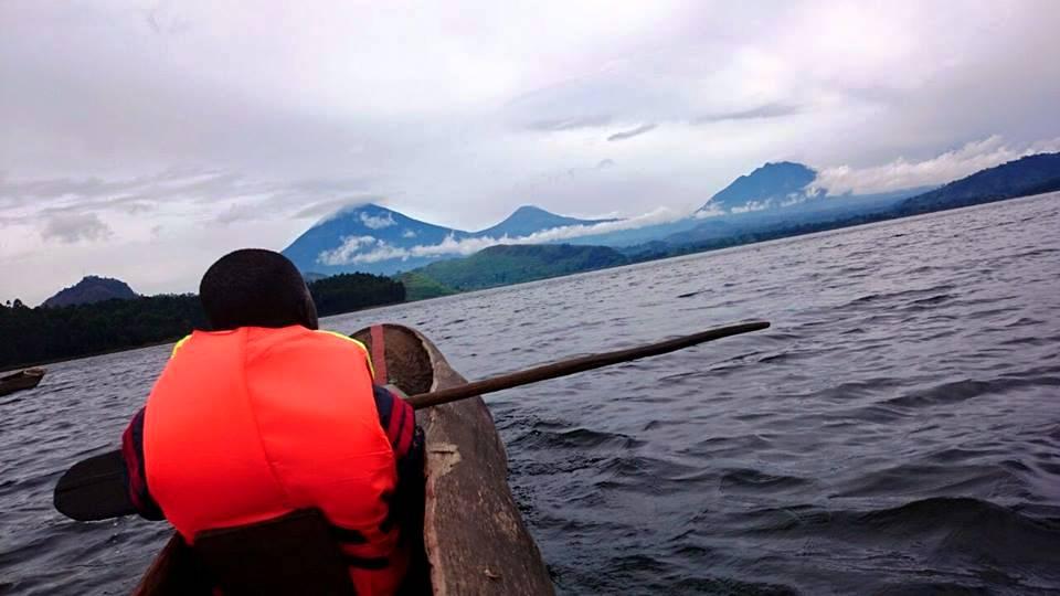 Mutanda tree dugout canoe.jpg