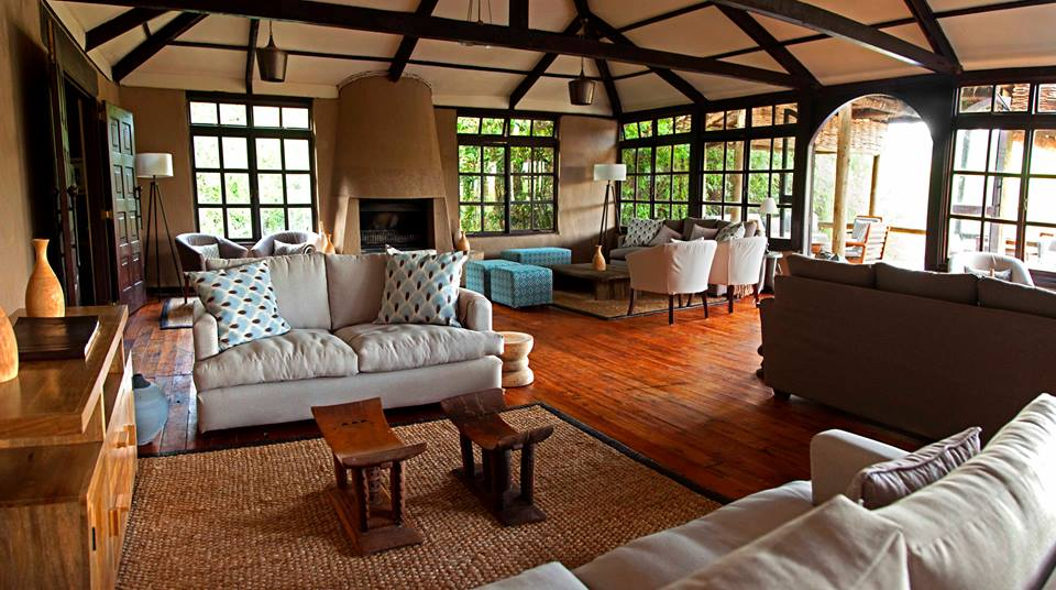 Luxury lounge for your safari setting in the wild.