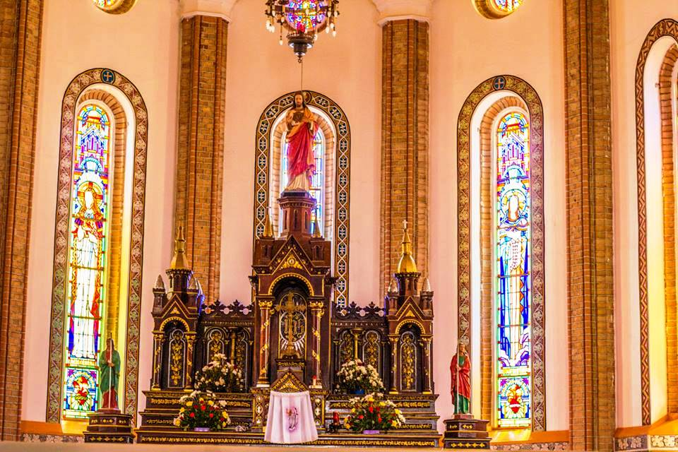 Rubaga cathedral in Kampala.jpg
