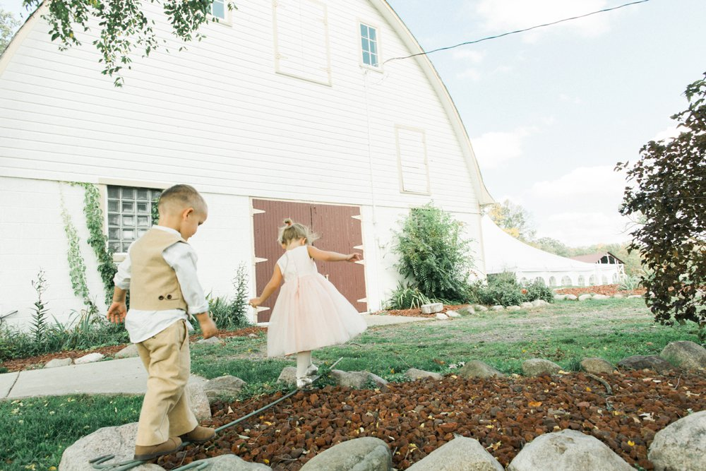 MN Rustic Barn Wedding by Marc Andreo Photography_6830.jpg