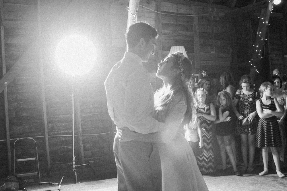 Rustic MN Barn Wedding_9910.jpg