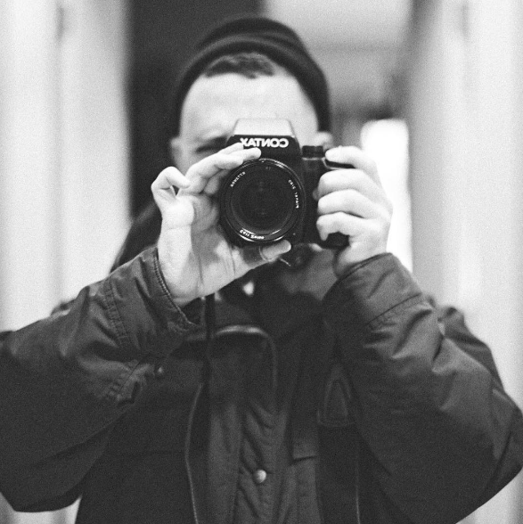 That's me and my Contax 645.