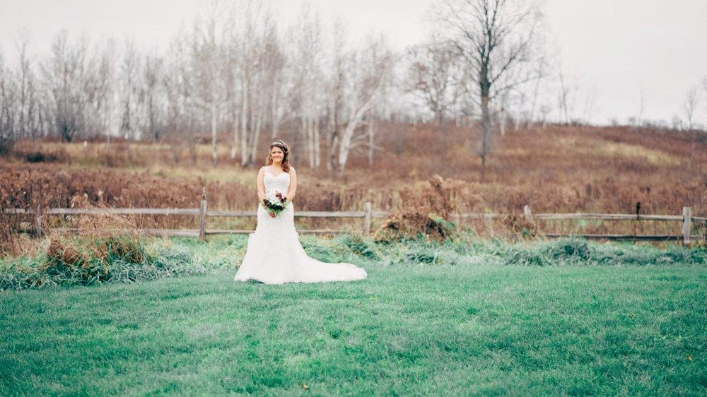 Enchanted Barn Wisconsin Wedding_4955.jpg