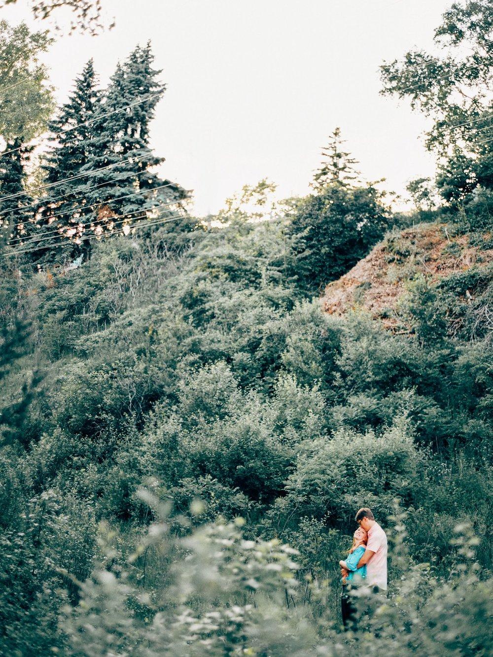 Kenilworth Trail Engagement_5797.jpg