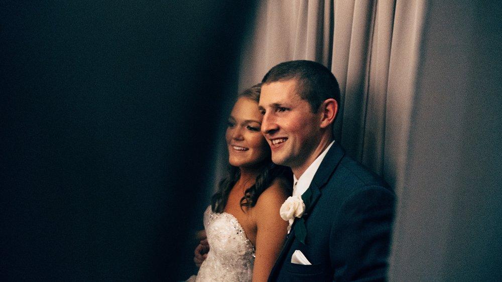 Minneapolis Wedding Photographers_9499.jpg