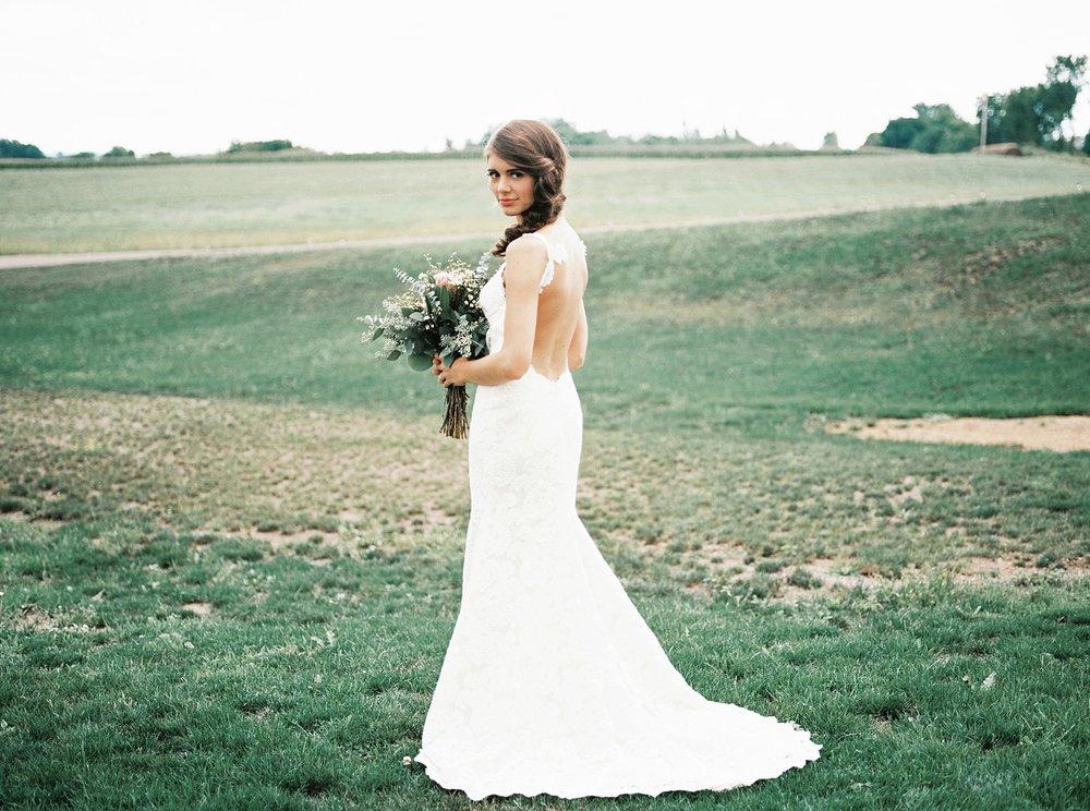 Bloom Lake Barn Wedding_4944.jpg