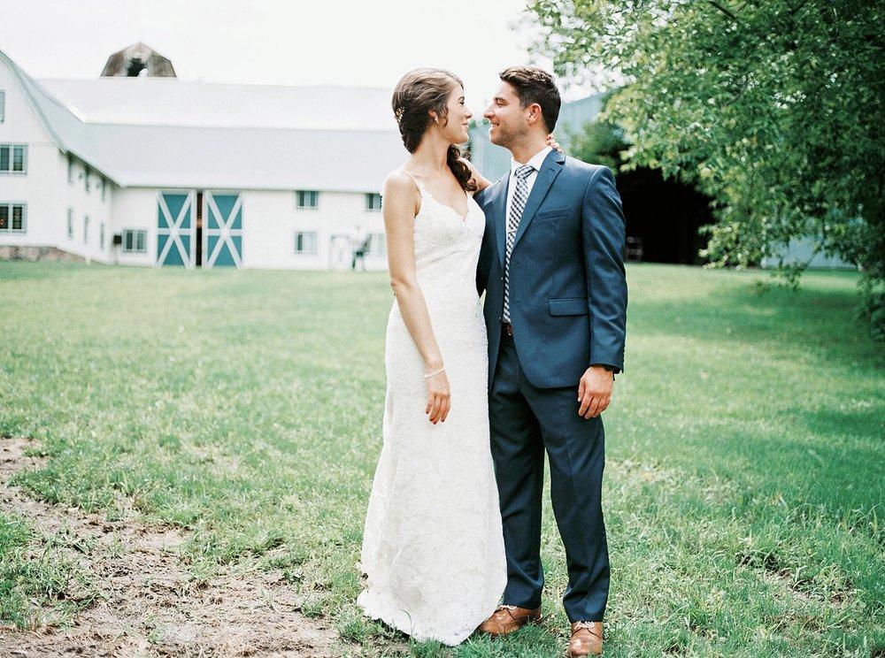 Bloom Lake Barn Wedding_5001.jpg