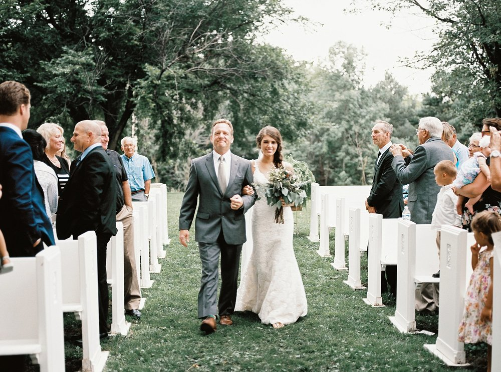 Bloom Lake Barn Wedding_5022.jpg
