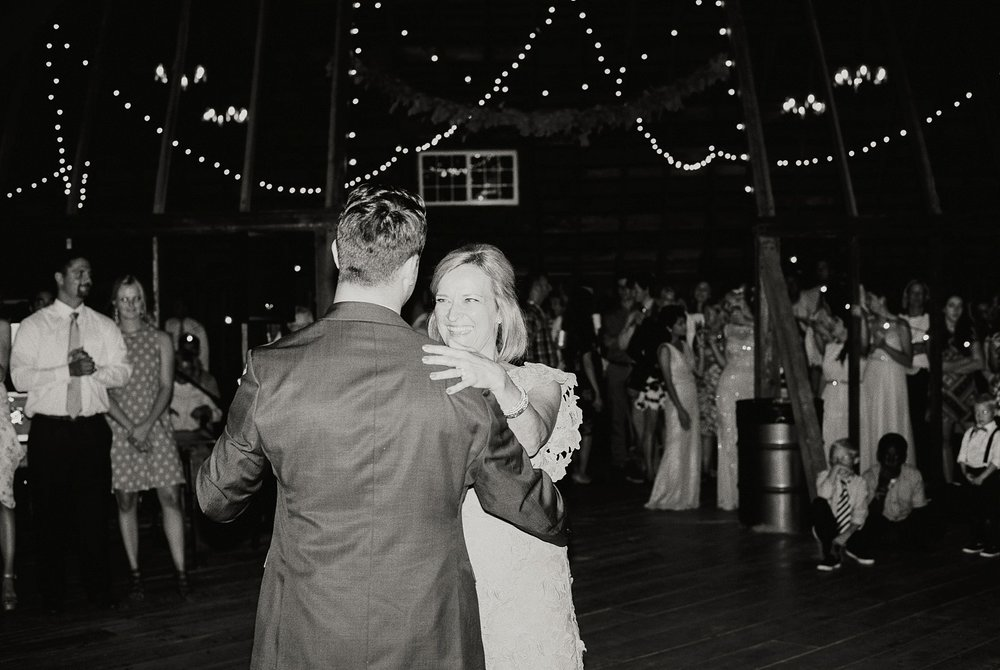 Bloom Lake Barn Wedding_5032.jpg