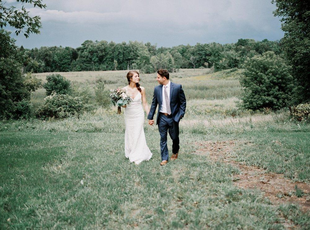 Bloom Lake Barn Wedding_5038.jpg
