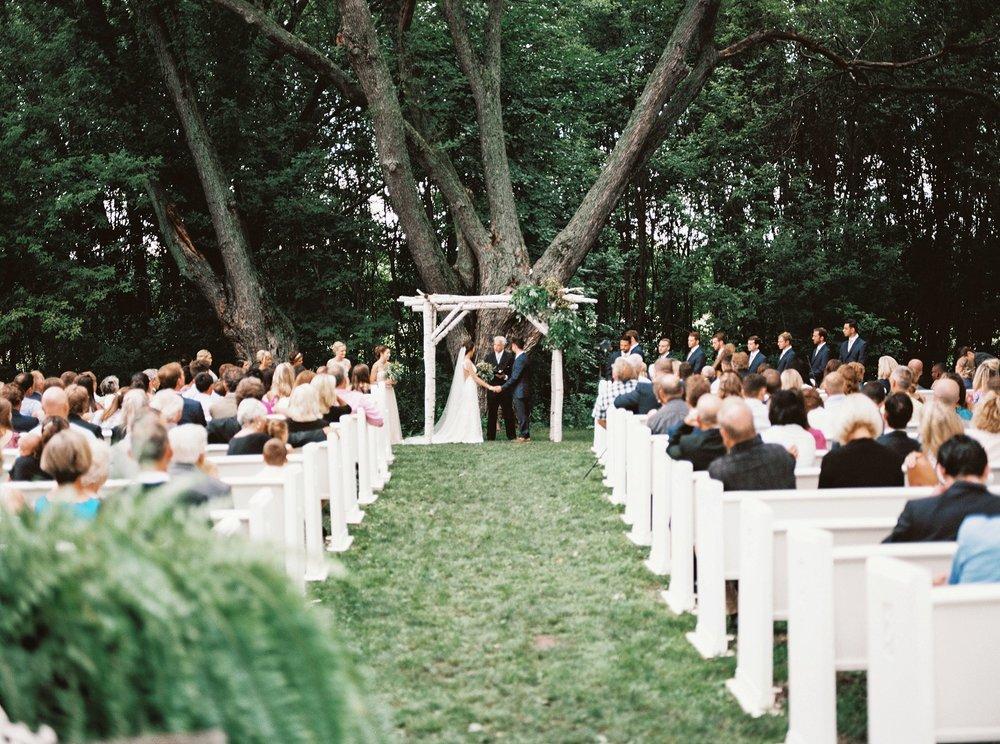 Bloom Lake Barn Wedding_5042.jpg