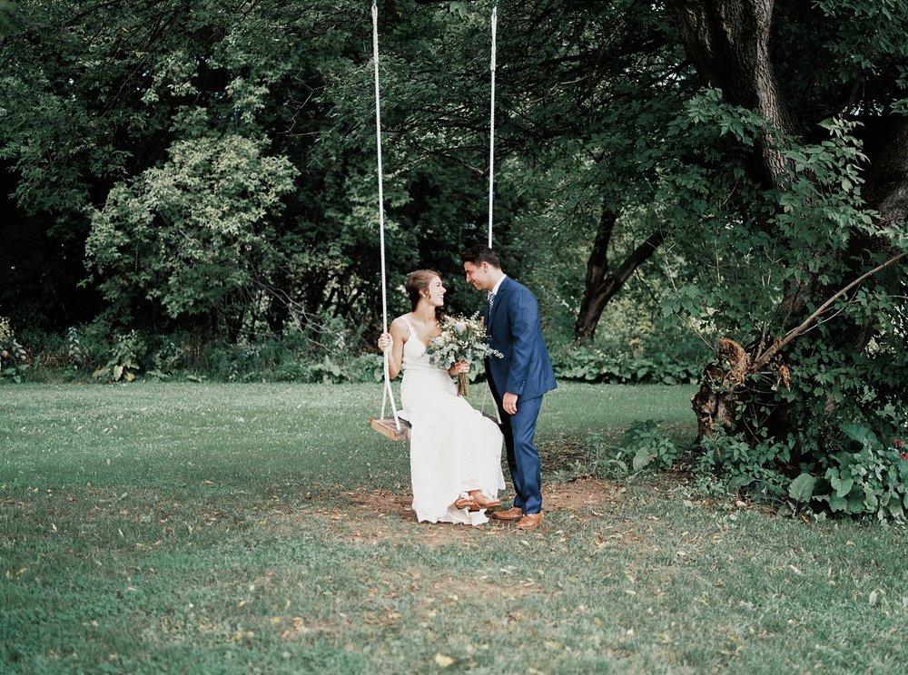 Bloom Lake Barn Wedding_5045.jpg
