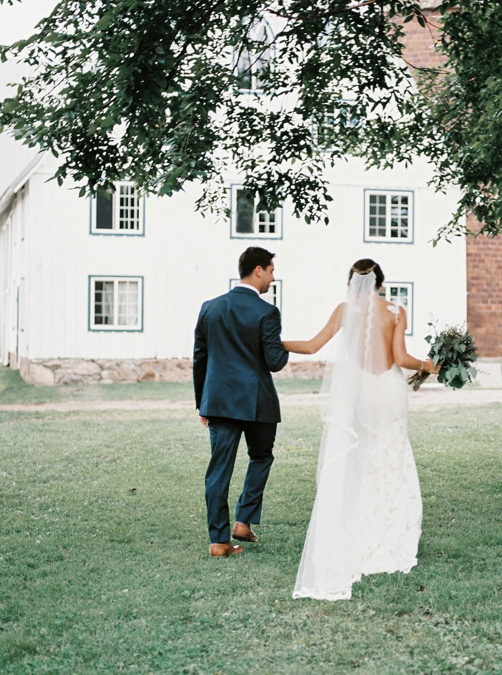 Bloom Lake Barn Wedding_5052.jpg