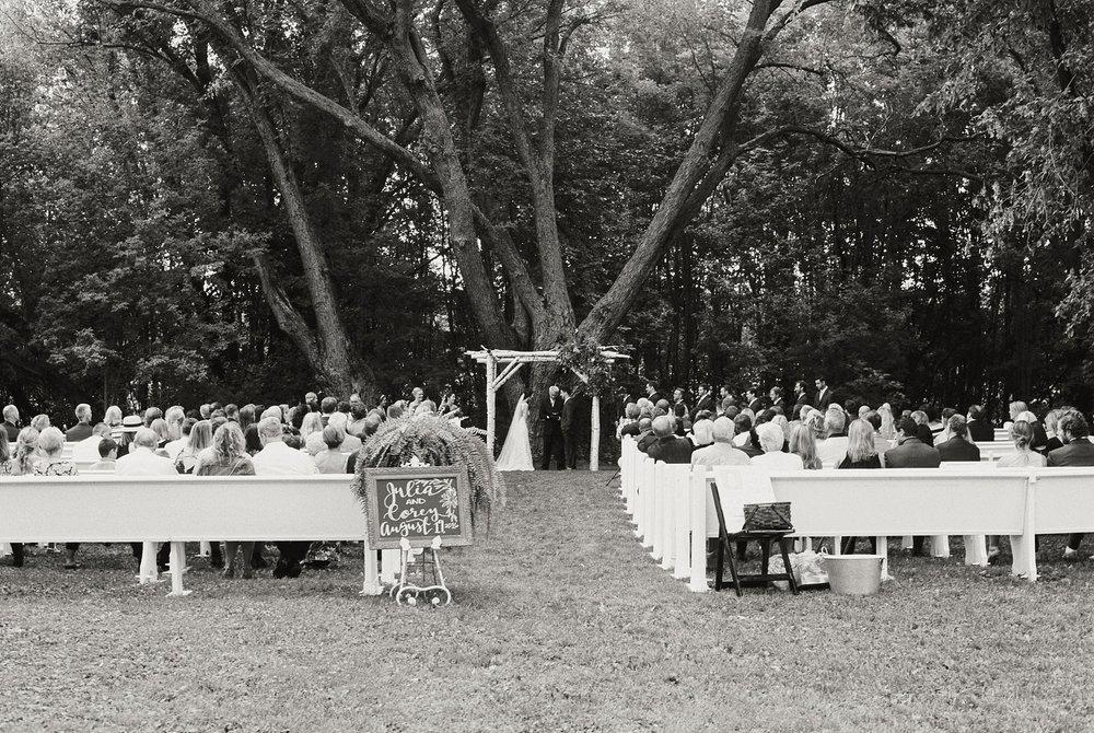 Bloom Lake Barn Wedding_5055.jpg