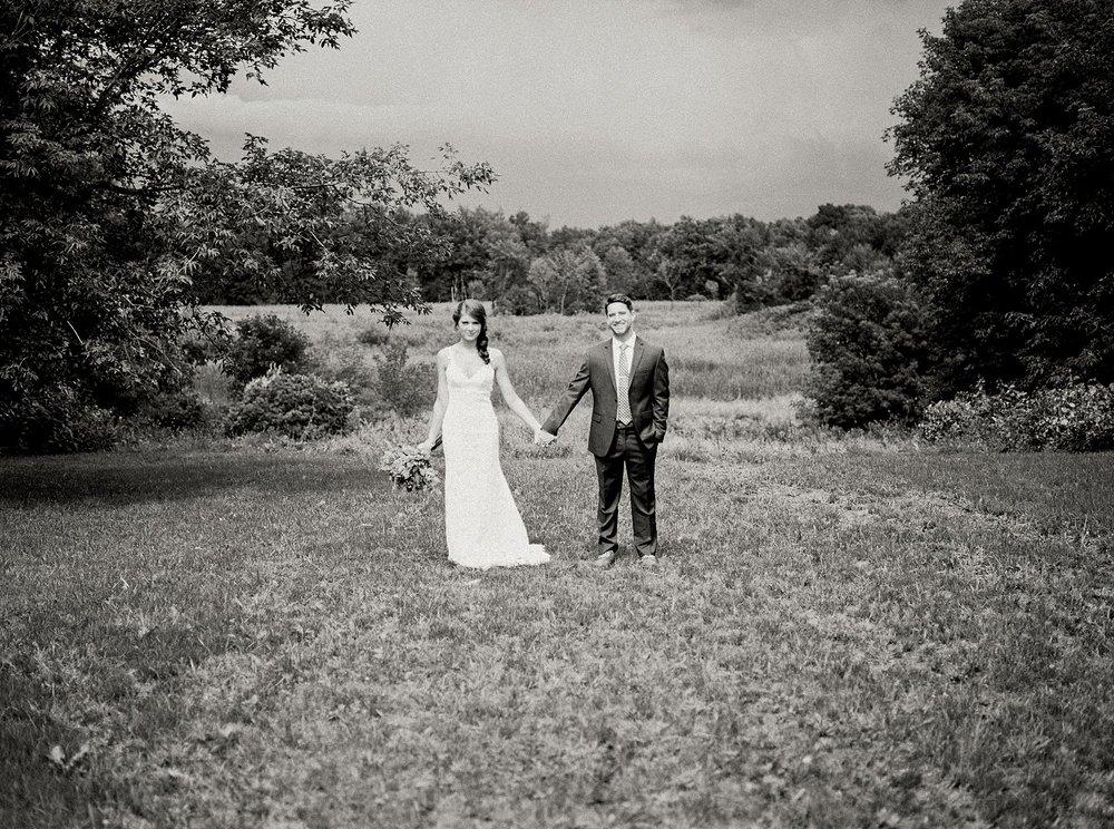 Bloom Lake Barn Wedding_5058.jpg