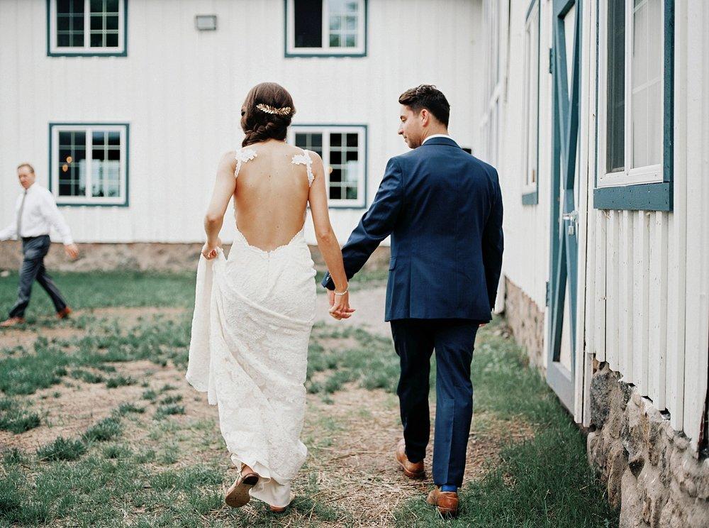 Bloom Lake Barn Wedding_5061.jpg