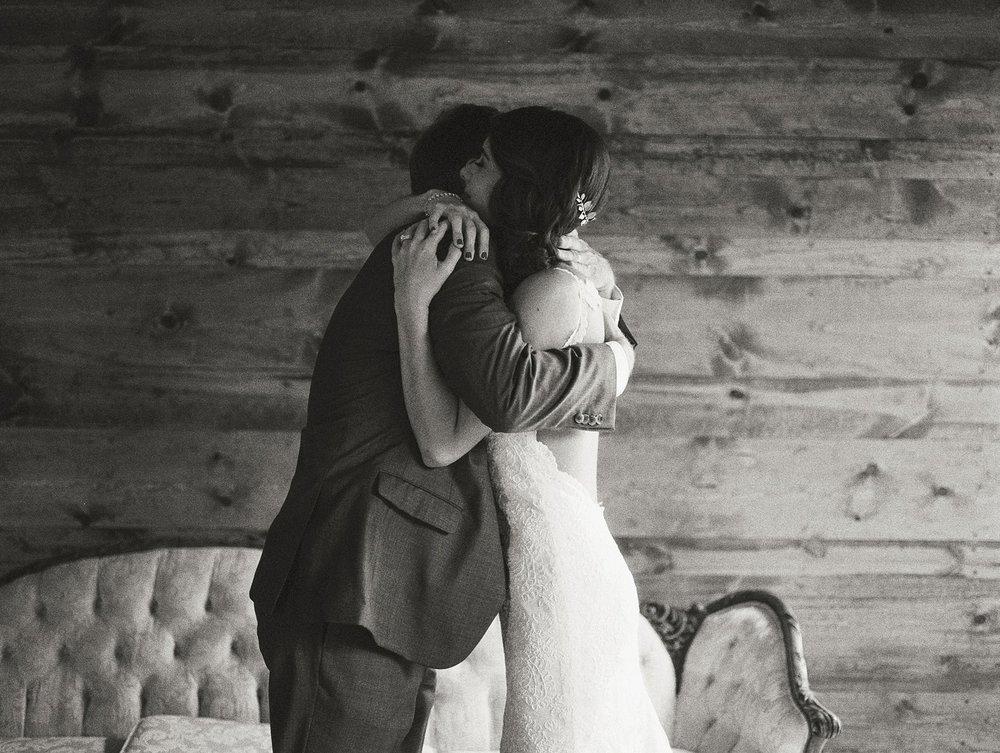 Bloom Lake Barn Wedding_5064.jpg