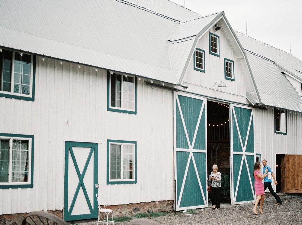 Bloom Lake Barn Wedding_5067.jpg