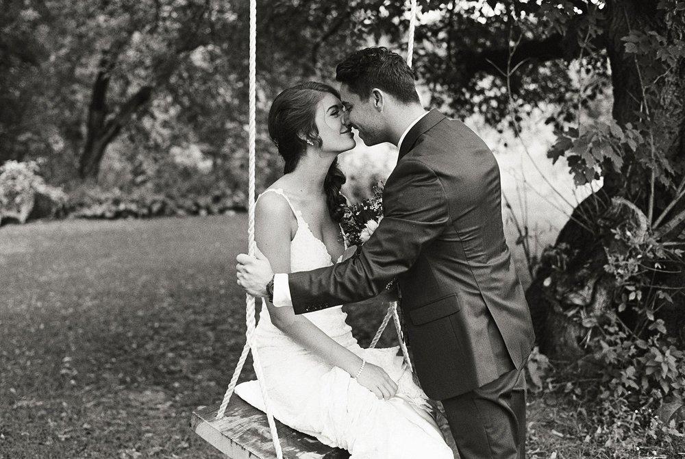Bloom Lake Barn Wedding_5098.jpg