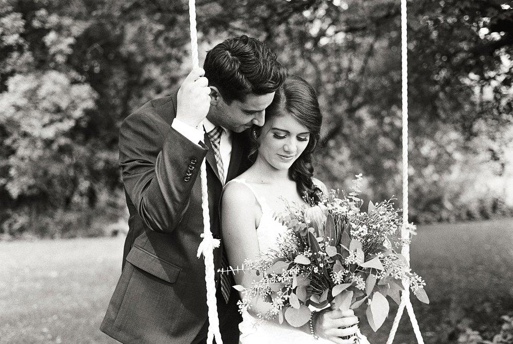 Bloom Lake Barn Wedding_5115.jpg