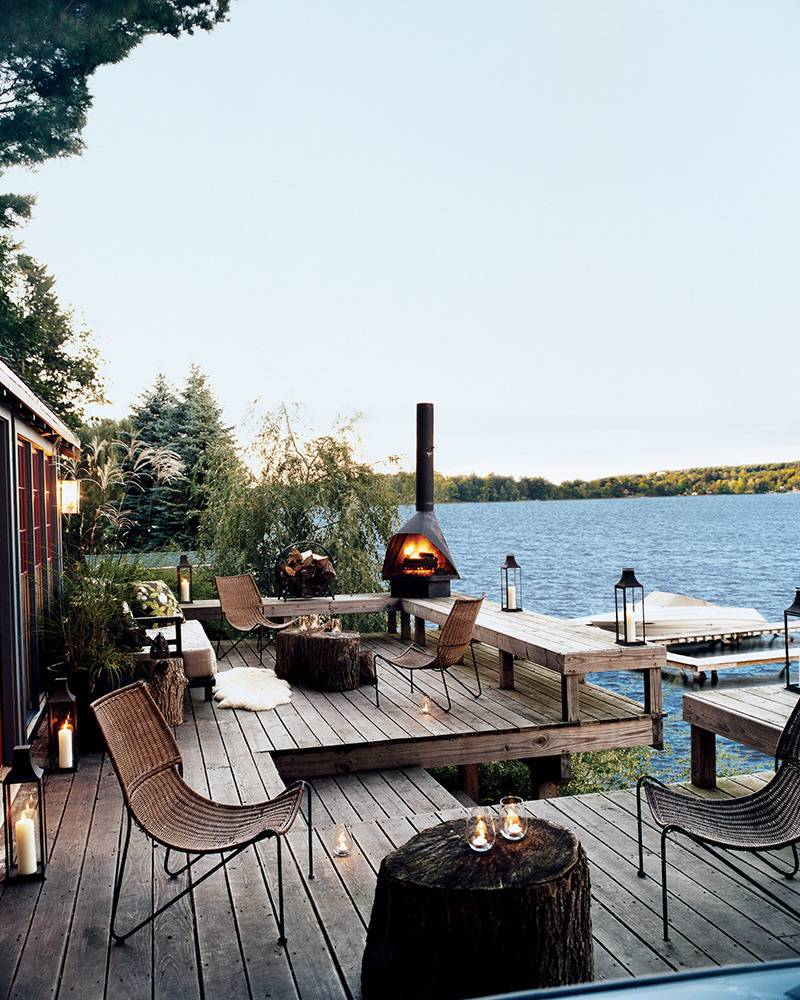 This summer cottage by Thom Filica is everything a lake house should be.