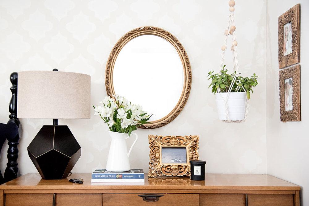 White Vase  |  Plant hanger
