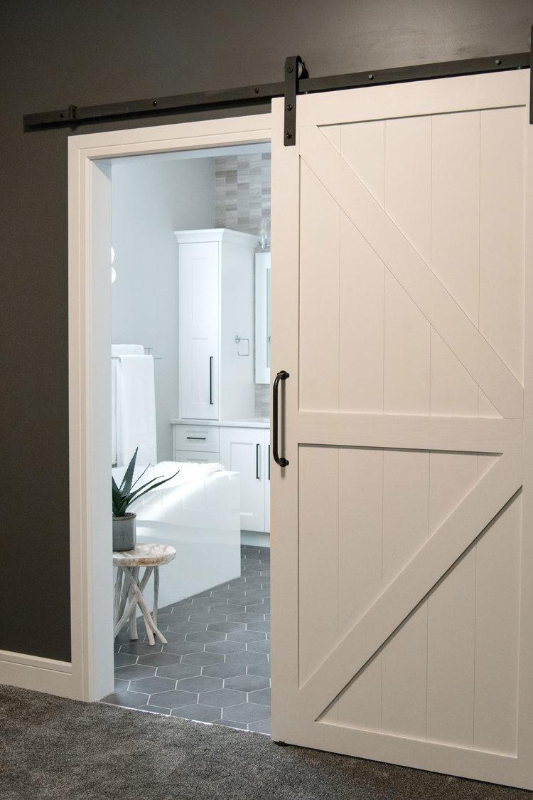 contemporary-white-bathroom-hexagon-tile