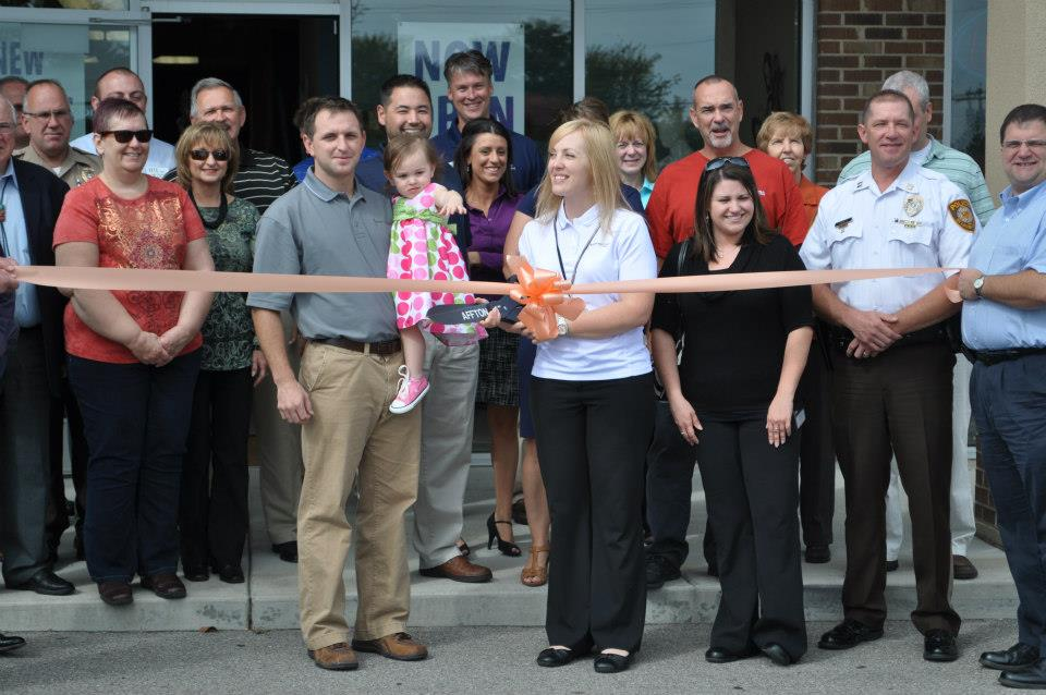 Ribbon Cutting at Spine and Joint Center