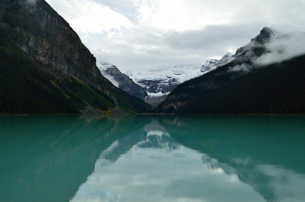 The classic picture of Lake Louise, but in early spring  Nikon D3200 | 27mm | f/9 | 1/100s | ISO-100