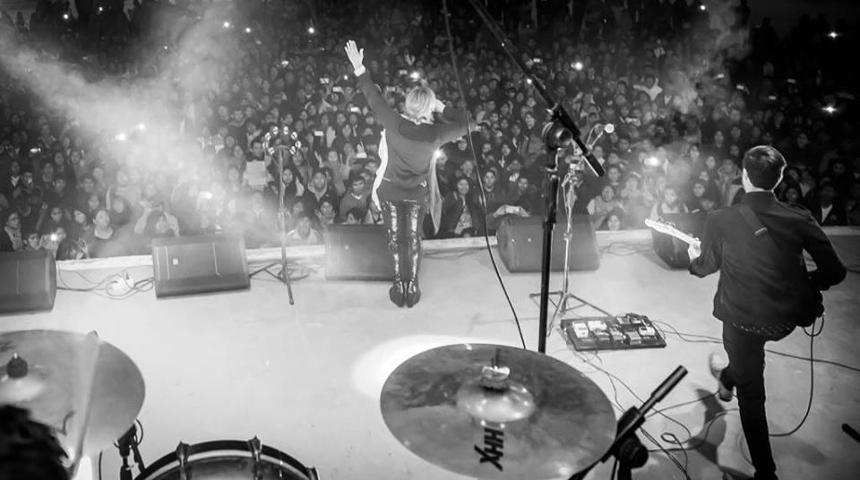 Por este medio queremos informar a todos los fans de Ecuador que la presentación de Annette Moreno y su banda con el #TourAnsiedad2018 que estaba programada para el viernes 22 de junio ha cambiado. Esto ha sido una decisión del organizador con el objetivo de garantizarles un evento de primera a todos los asistentes, lo cual llevará mayor tiempo de preparación.  Pronto les estaremos dando a conocer la fecha del concierto, así que los invitamos a estar pendientes de cualquier información.  Pedimos su comprensión y reiteramos nuestro deseo de compartir con ustedes de la buena música de Annette Moreno y su banda.