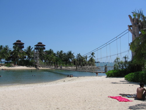 Palawan Beach, photo credits: Wikimedia Commons
