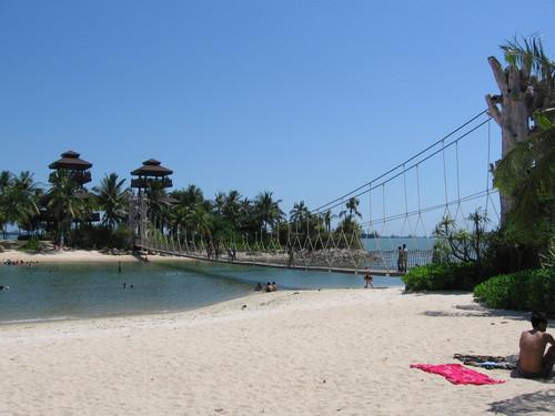 Palawan Beach, photo credits: Wikimedia Commons